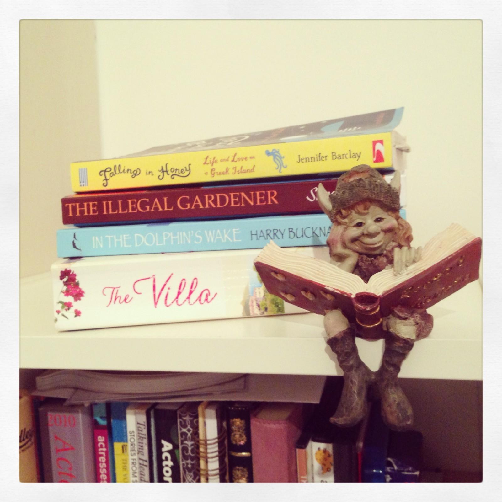 Holiday Essentials: The Summer Book List